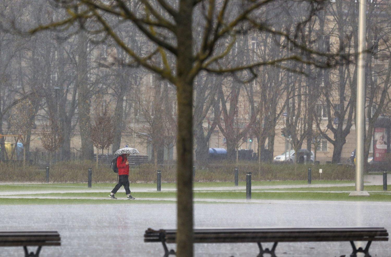 Šilumą keis nemalonios orų permainos: kai kur galima šlapdriba