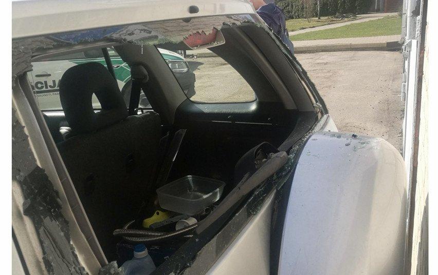 Pareigūnai prašo pagalbos nustatant eismo įvykio aplinkybes