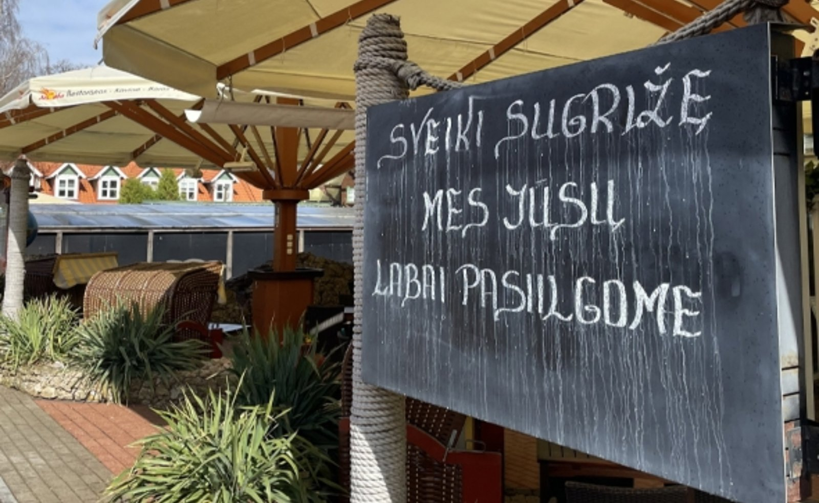 Reportažas: atsidarančių barų ir restoranų prastas oras negąsdina