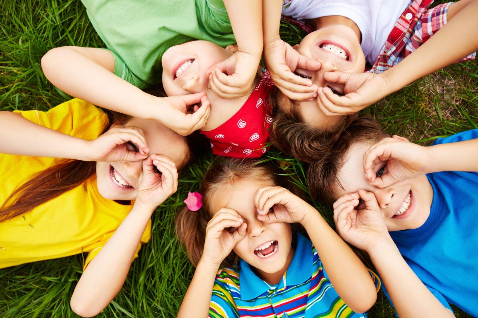 """""""CodeAcademy Kids"""" vasaros stovyklos – verslumui ir kūrybiškumui skatinti"""