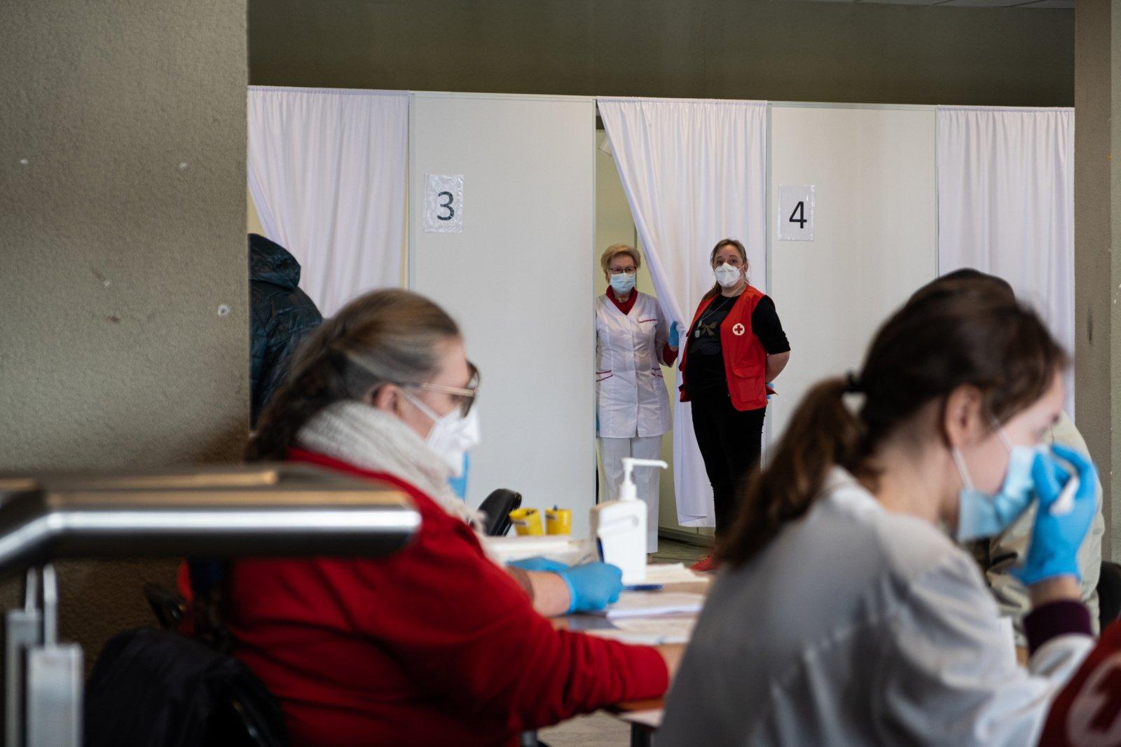 Skiepytis be išankstinės registracijos Alytuje kviečiami senjorai ir asmenys, kuriems nustatytas nuolatinės slaugos poreikis