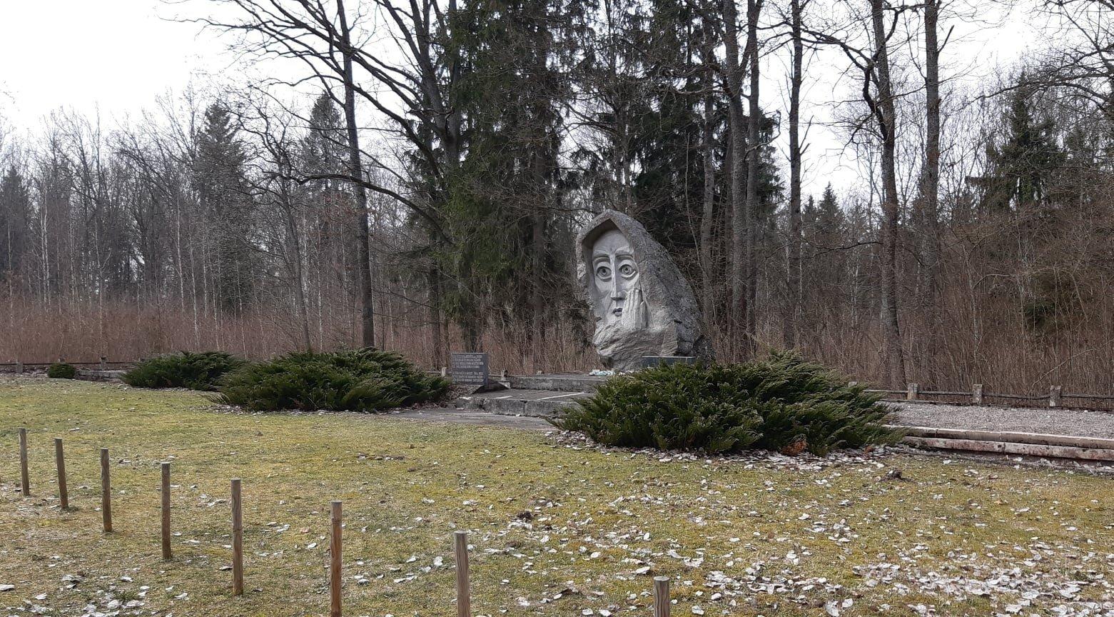 Dzūkijoje ir Suvalkijoje paveldosaugininkai patikrino memorialines vietas: daug kur būtini skubūs priežiūros darbai