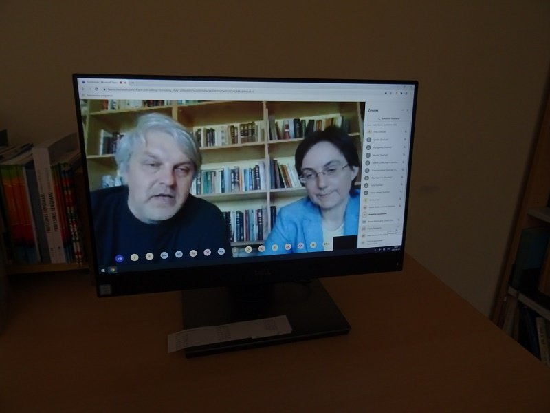 Virtualus susitikimas su archeologu prof. dr. Rimvydu Laužiku  ir istorike Anželika Laužikiene