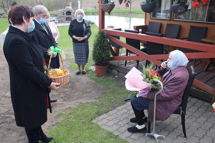 """Motinos dienos proga ordino """"Už nuopelnus Lietuvai"""" medaliu apdovanota Kalvarijos savivaldybės gyventoja"""