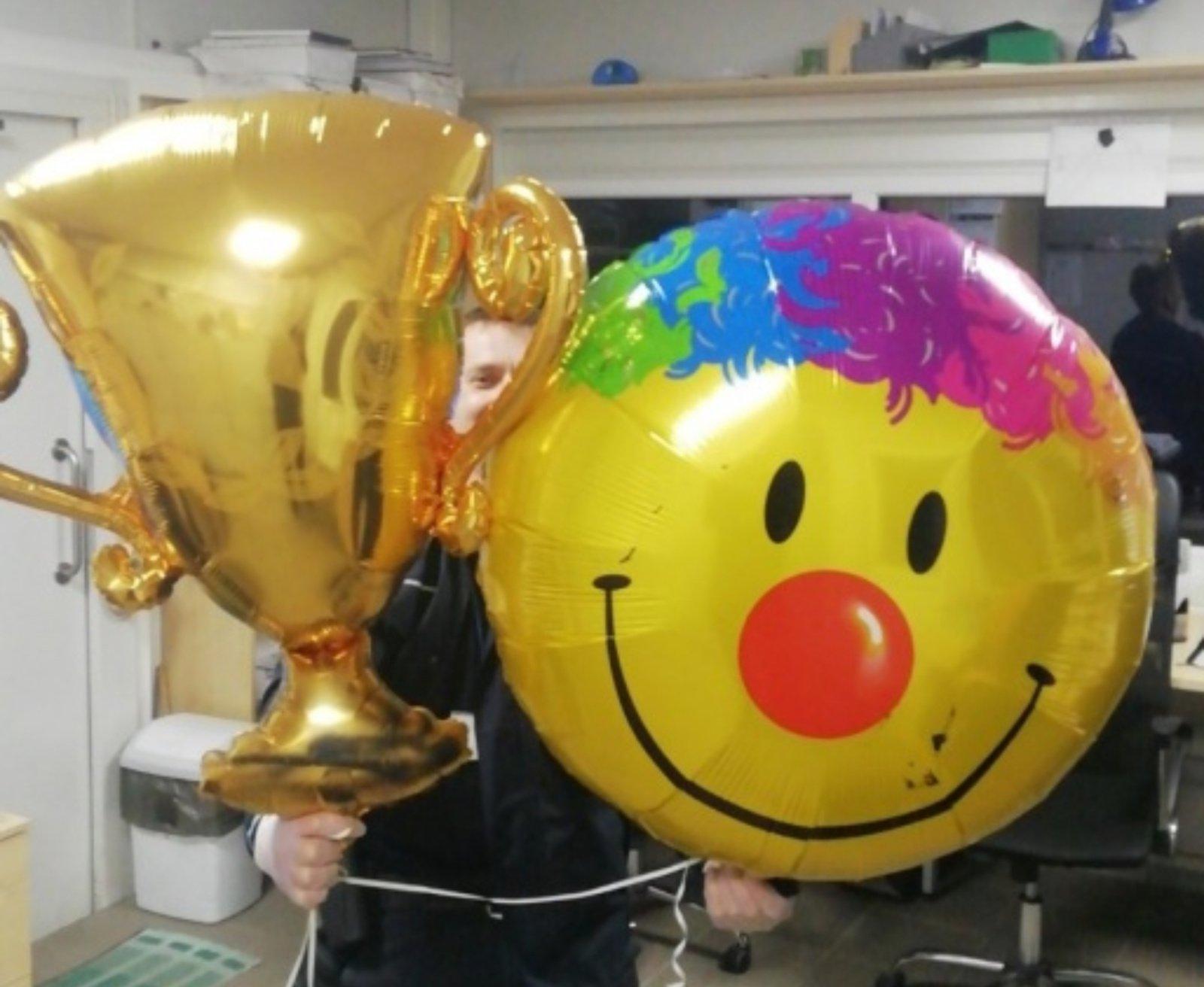 Pareigūnai perėmė telefonus, į Vilniaus pataisos namus skraidintus balionais