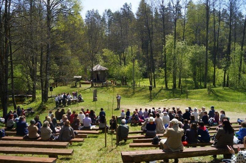 Varėnos rajone vyks moksleivių poetinės kūrybos šventė