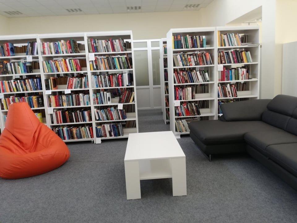 Skaitytojų laukia atsinaujinusi Švenčionėlių biblioteka