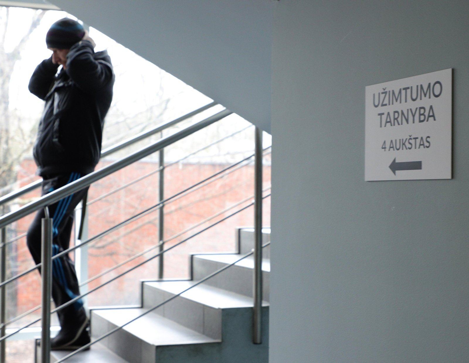 Užimtumo tarnyba: nedarbas mažėja, ryškėja kitos problemos