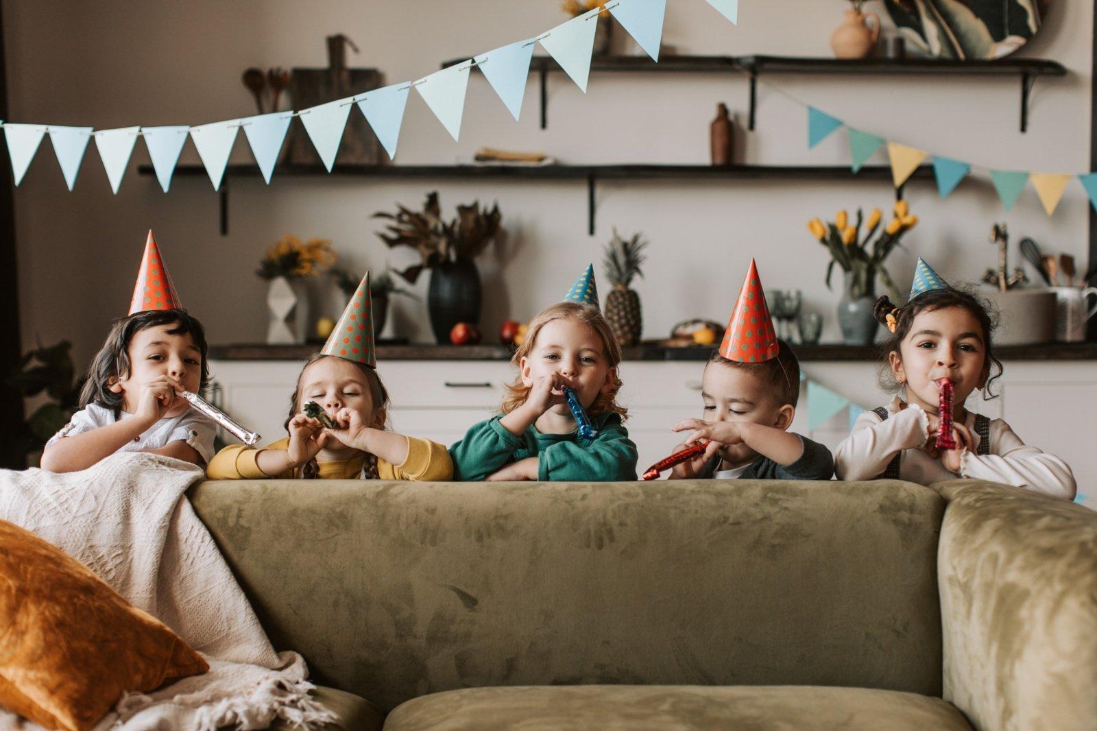 Gimtadienio rinkinys vaikui – gera dovana ar pinigų švaistymas?
