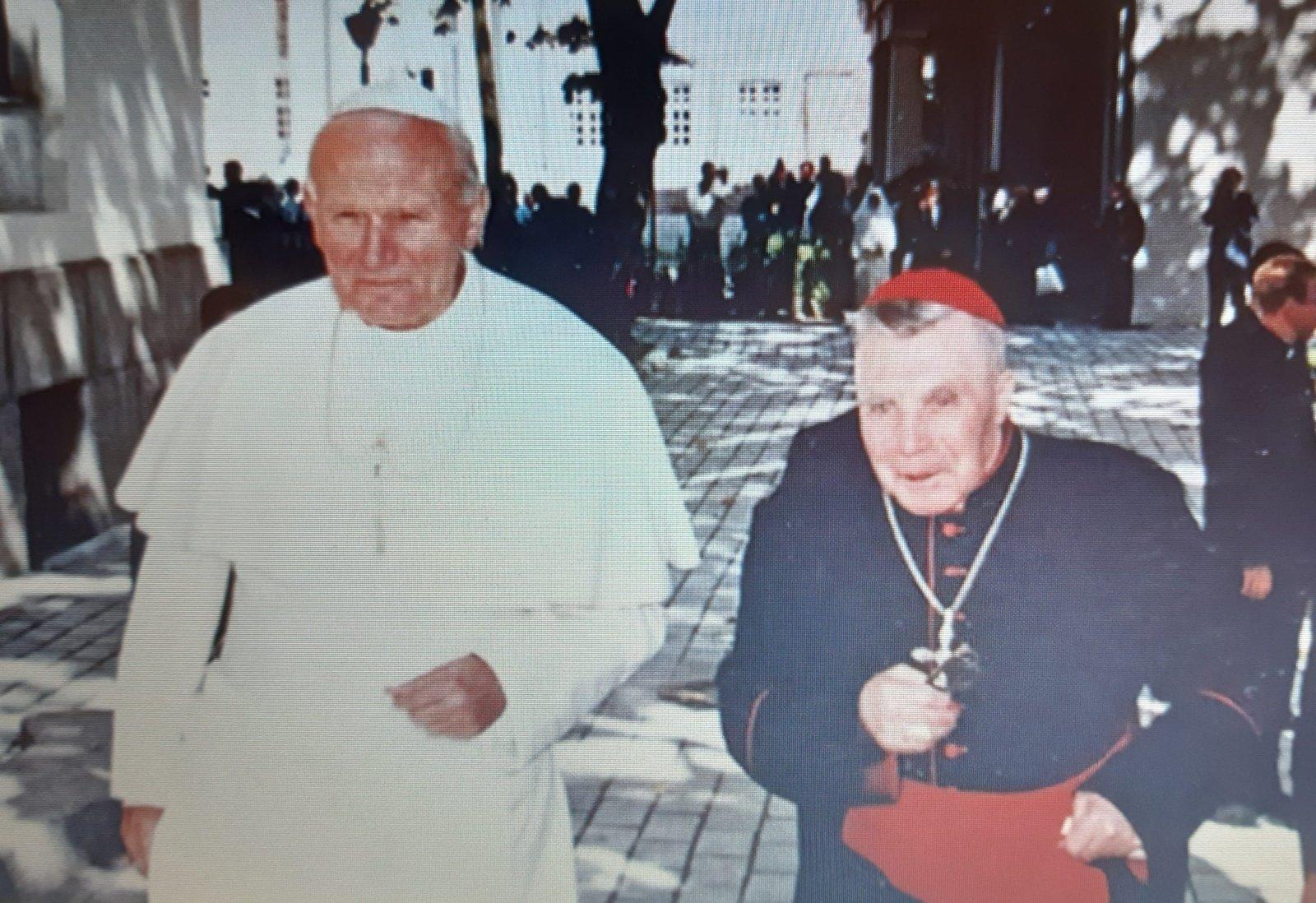 Sekminių šv. Mišiose pagerbė kardinolą V. Sladkevičių