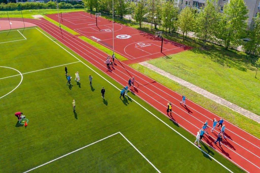 Vilniaus savivaldybė pasirašė sutartis dėl 10 sporto aikštynų atnaujinimo ir pradeda darbus
