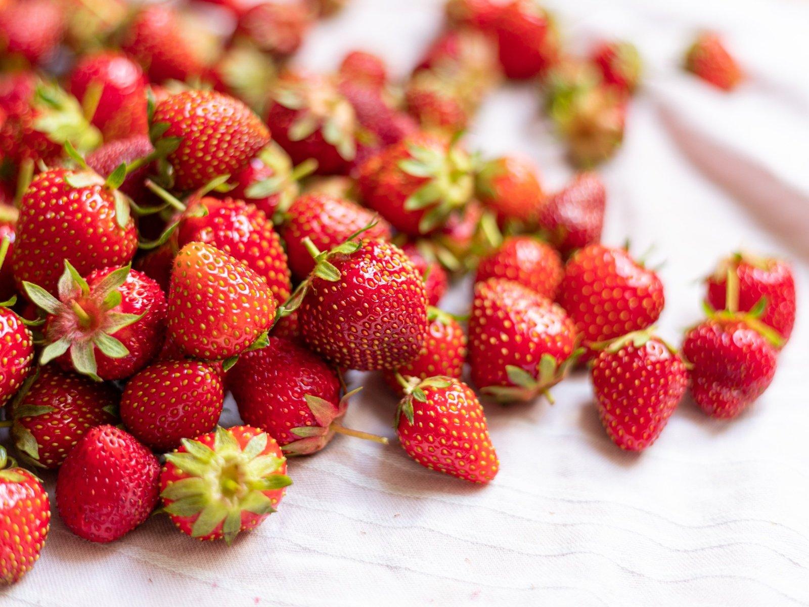 Braškės: vasara kvepiančių uogų nauda grožiui ir sveikatai