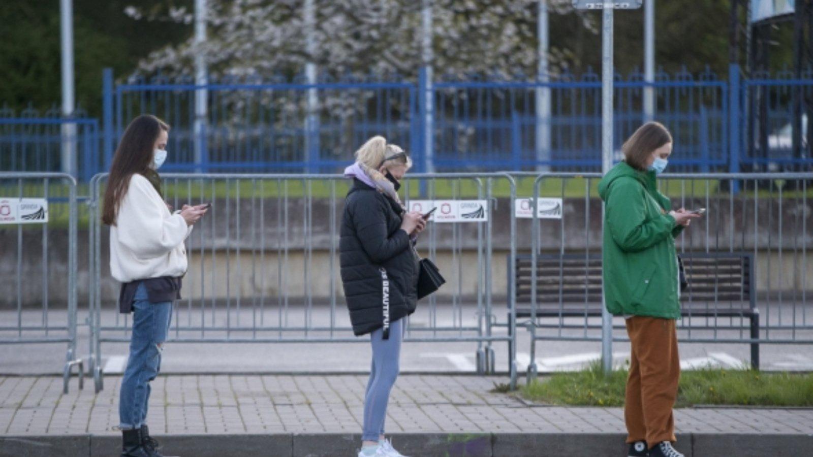 Siūloma neprašyti galimybių paso tarpmiestiniame transporte, lengvinti sąlygas studentams