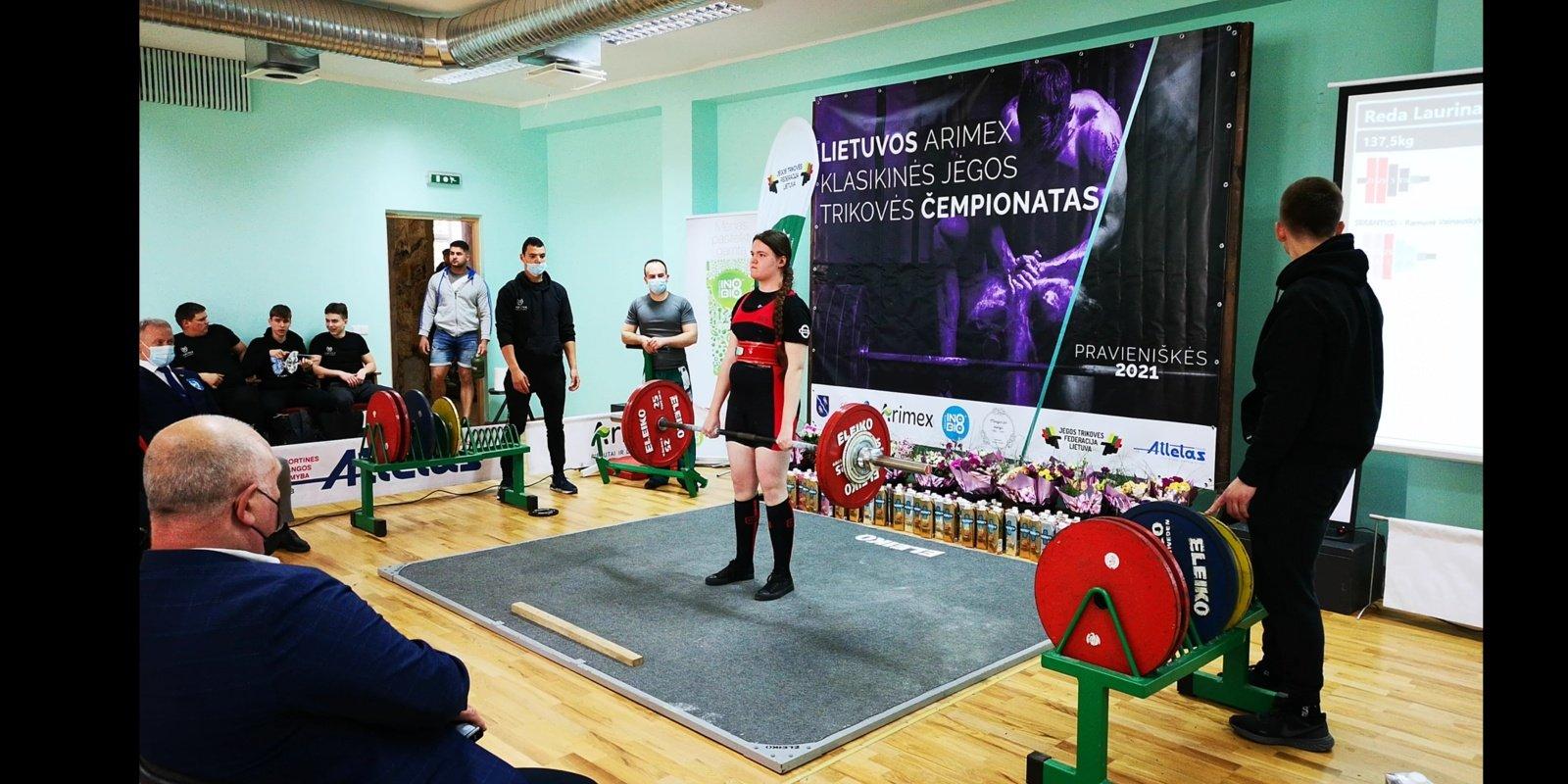Lietuvos čempionate – įspūdingas trylikametės varėniškės rekordas