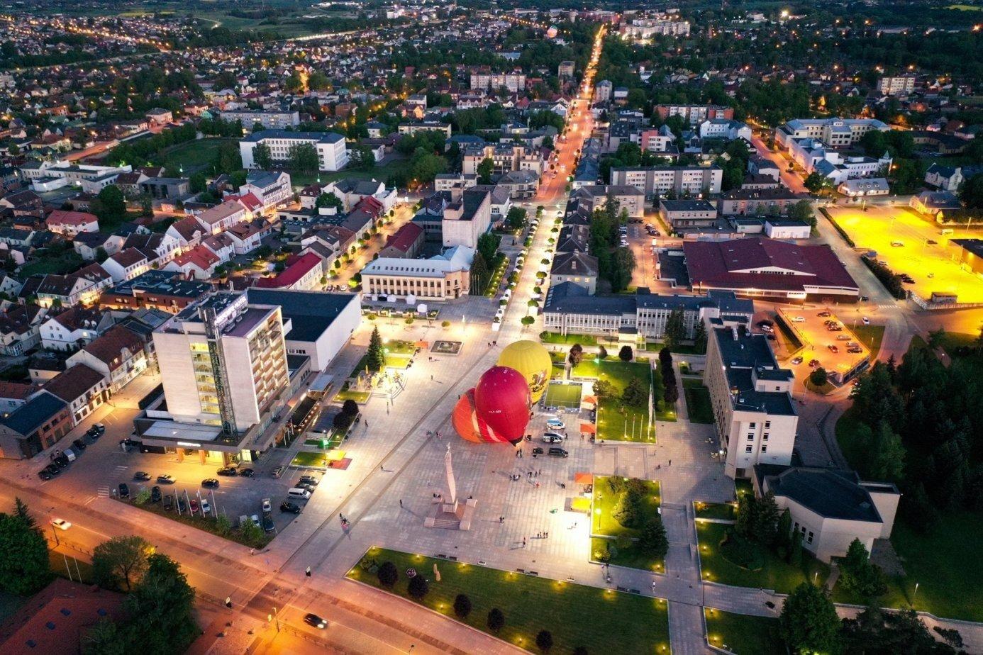 """""""Cukrinį festivalį 2021"""" Marijampolė  šventė su oro balionais, koncertais, susitikimais ir aktyviais laisvalaikio renginiais"""