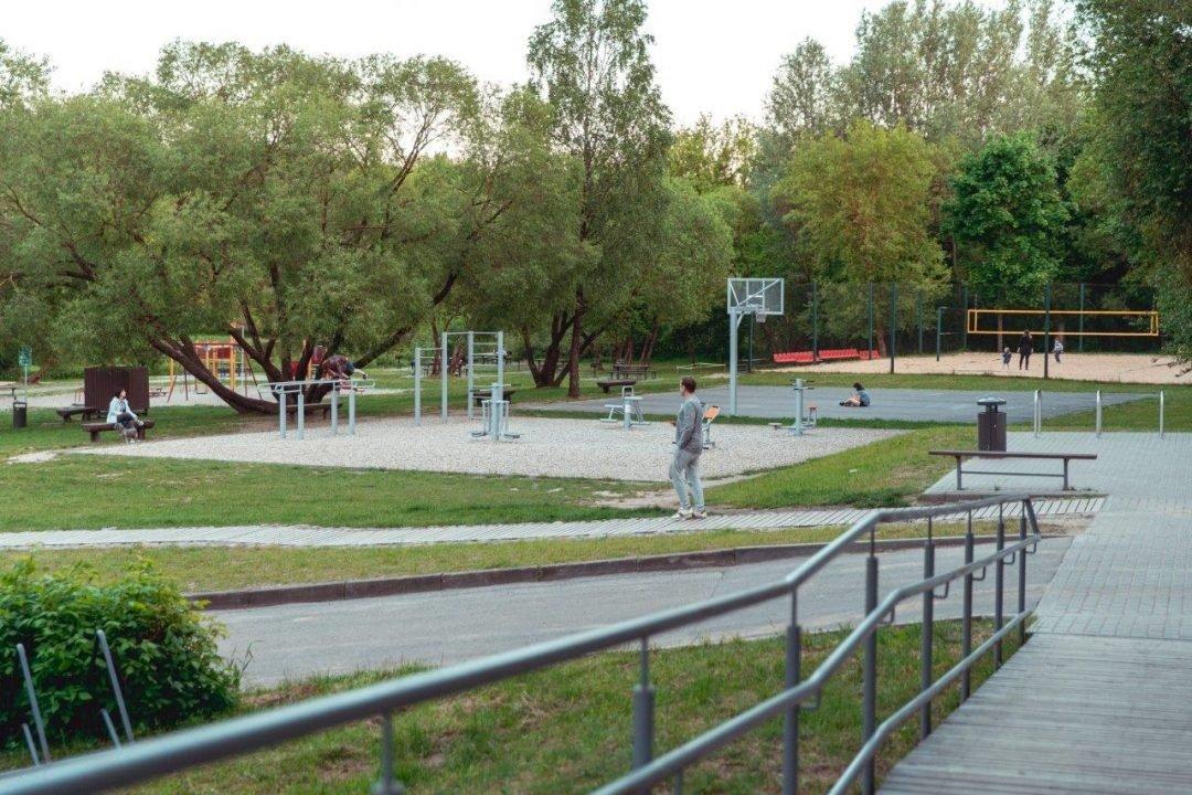 Vilnius kviečia vasarą ilsėtis aktyviai: pasižvalgykite po sporto aikšteles sostinės paplūdimiuose