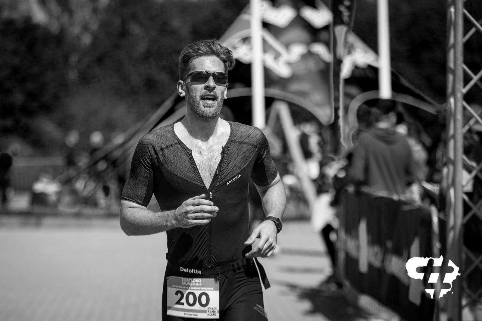 Skaudi tragedija: mirė jaunas Lietuvos triatlonininkas