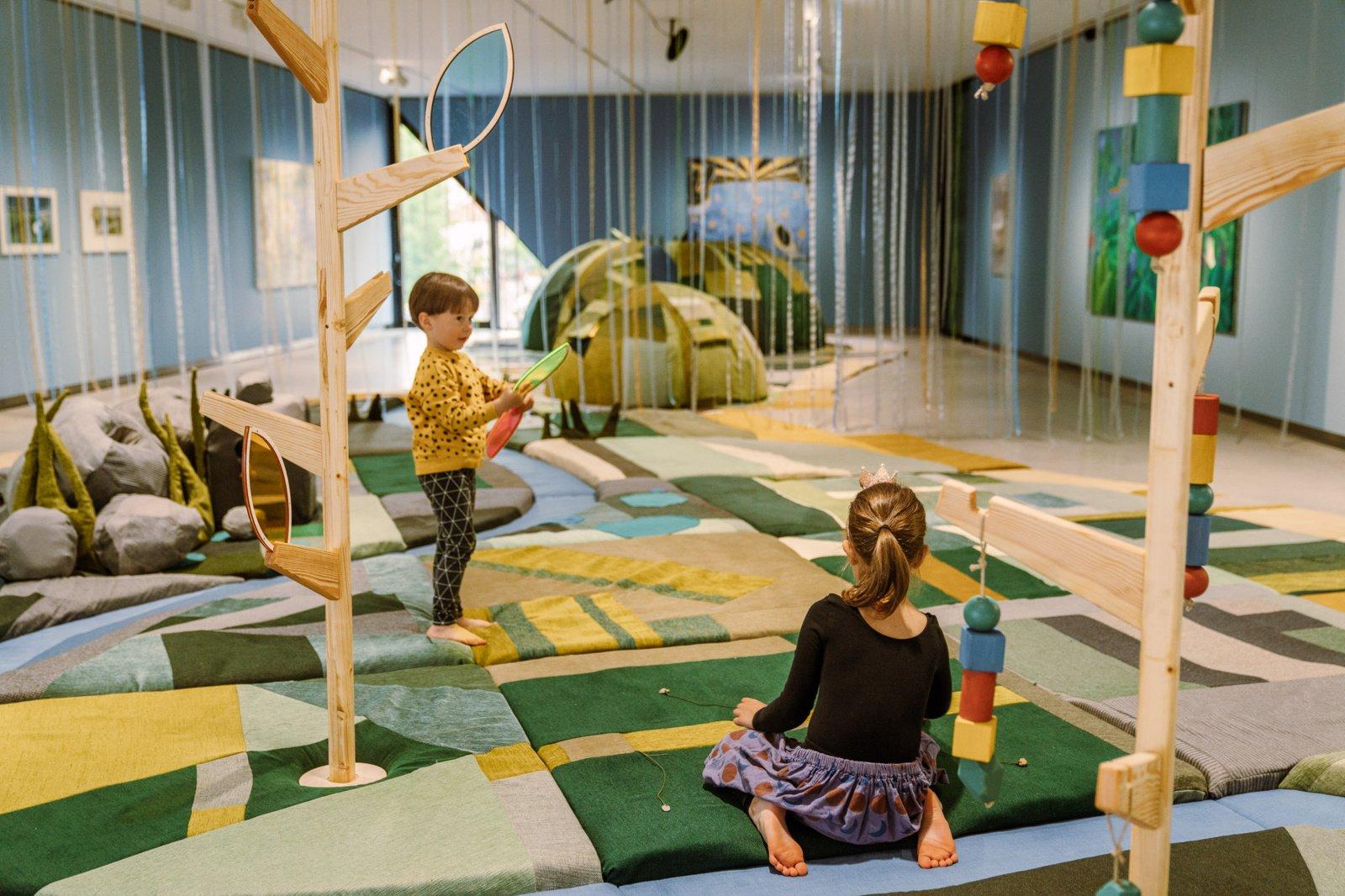 MO muziejuje pristatoma paroda vaikams kviečia juos nerti į meno pažinimą