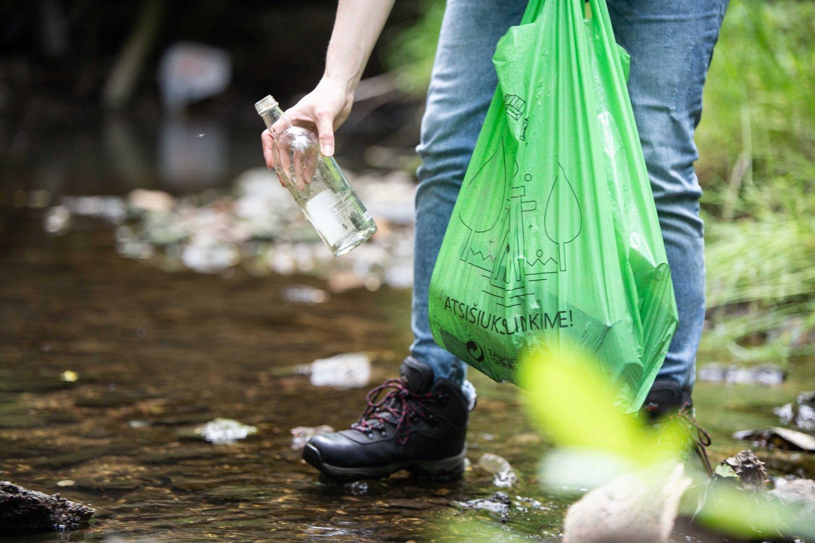 Siūloma griežčiau bausti už atliekų tvarkymo taisyklių pažeidimus
