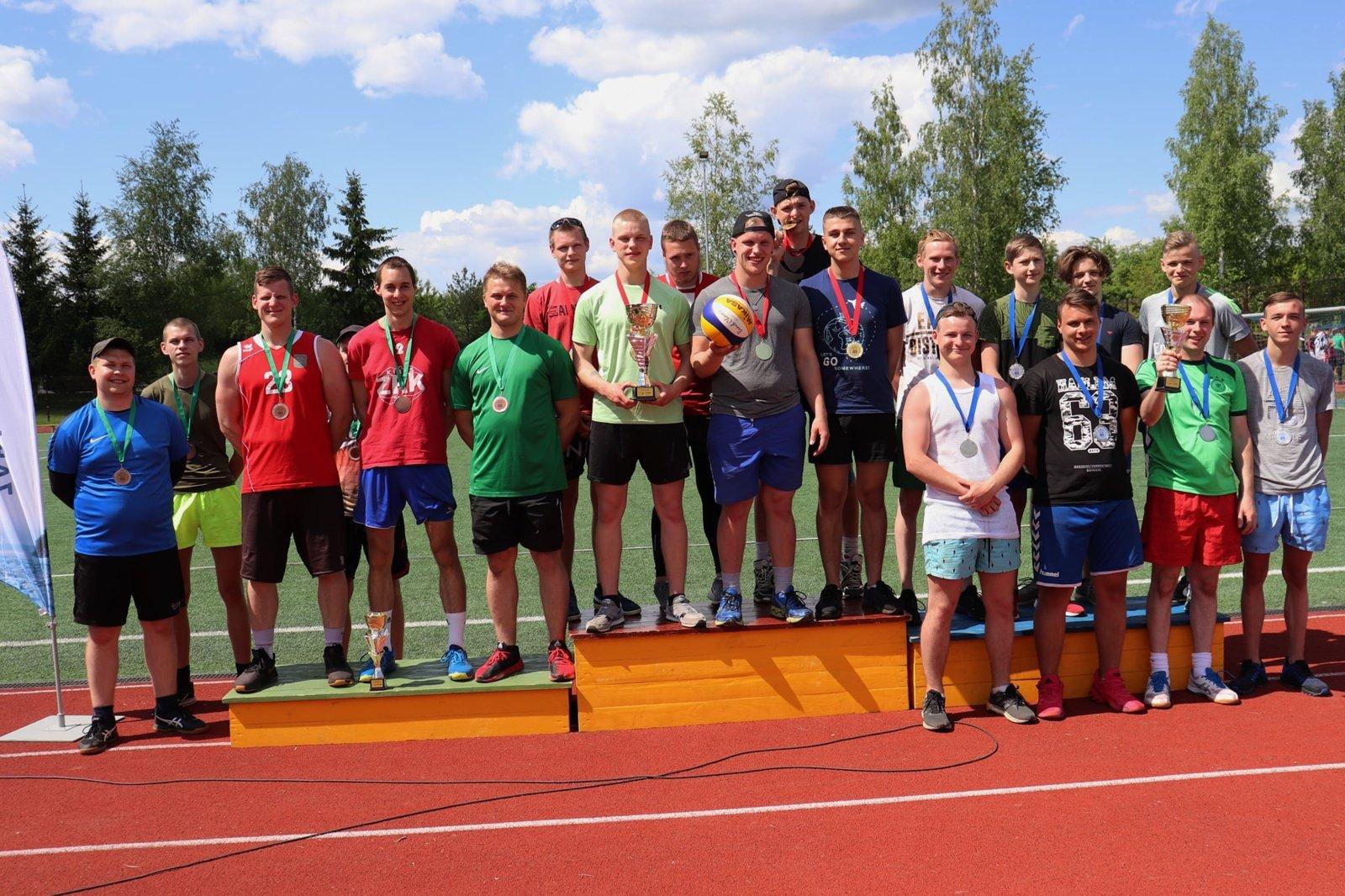 Pauliaus Širvio progimnazijos stadione atidarytas vasaros sporto sezonas