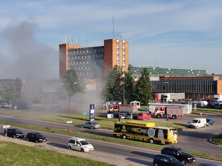 Architektų gatvėje degė degalinė