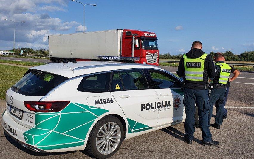 Per dvi dienas Marijampolės apskrities pareigūnams įkliuvo 16 neblaivių vilkikų vairuotojų