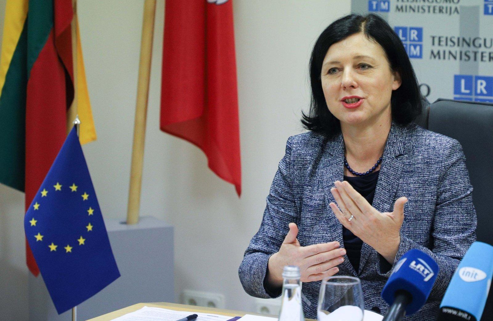 Lietuvoje lankysis Europos Komisijos pirmininkės pavaduotoja V. Jourova