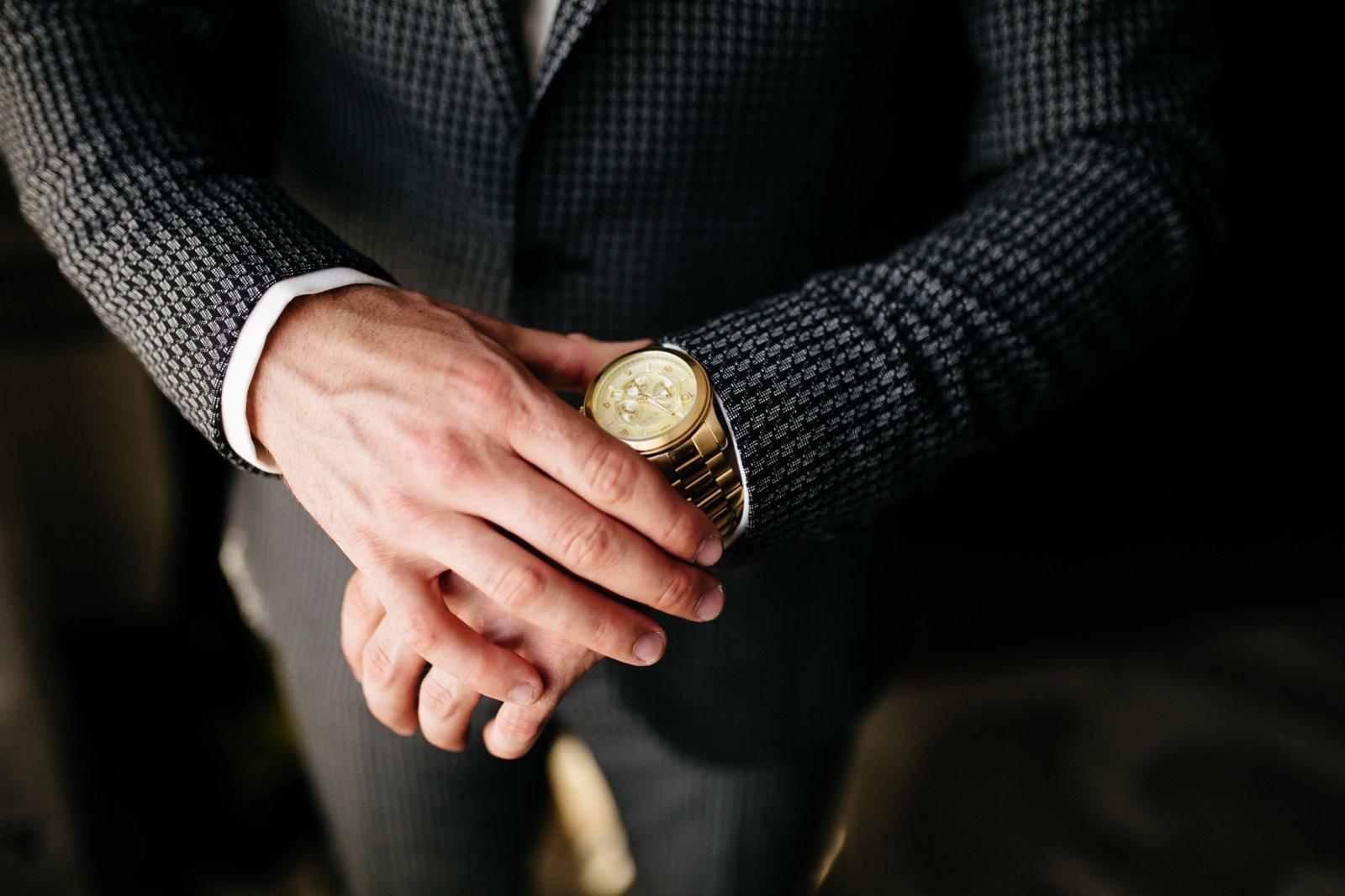 Iš įmonės kišenės – tūkstantinės sumos asmeniniams poreikiams ir pikantiški pirkiniai