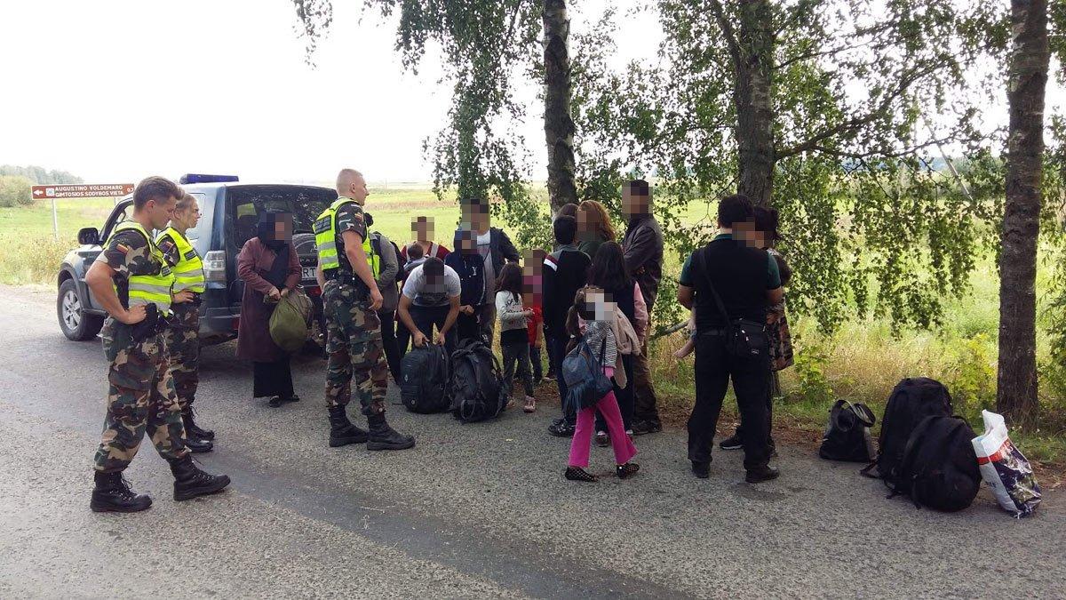 Penktadienį Ignalinos rajone sulaikyta dar 15 neteisėtų migrantų