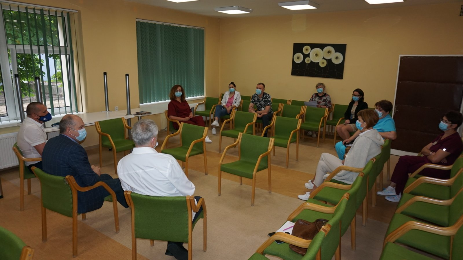 Su Ukmergės ligoninės darbuotojais ieškota sprendimo dėl pablogėjusios finansinės padėties