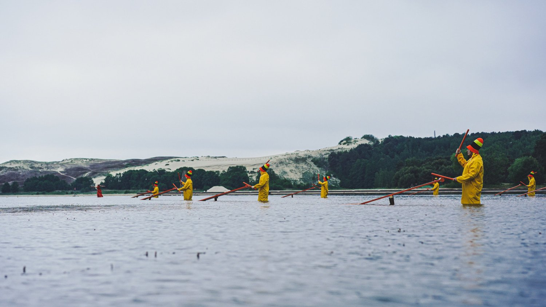 Neringa nėrė į kultūros sostinės metus: atidarymo renginys – ant Nidos molų ir vandenyje
