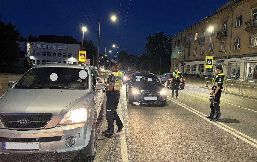 Pareigūnai Kauno rajone vijosi neblaivią ir dėl išgąsčio sustoti nepanorusią vairuotoją
