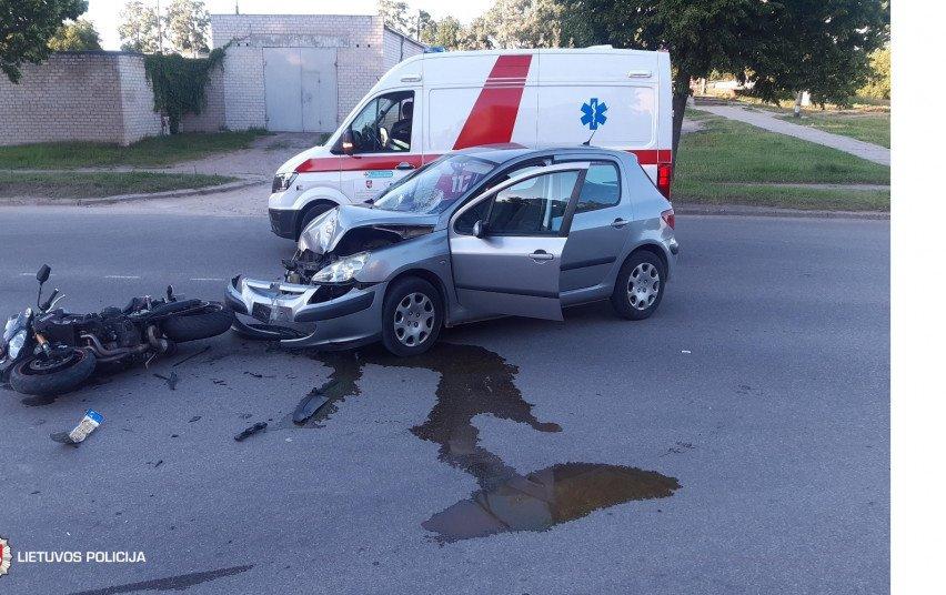Motociklininkai pateko į keturias avarijas