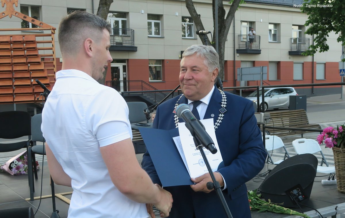 Šiaulių rajono neformaliojo ugdymo įstaigos pakvietė į įspūdingą mokslo metų užbaigimo šventę