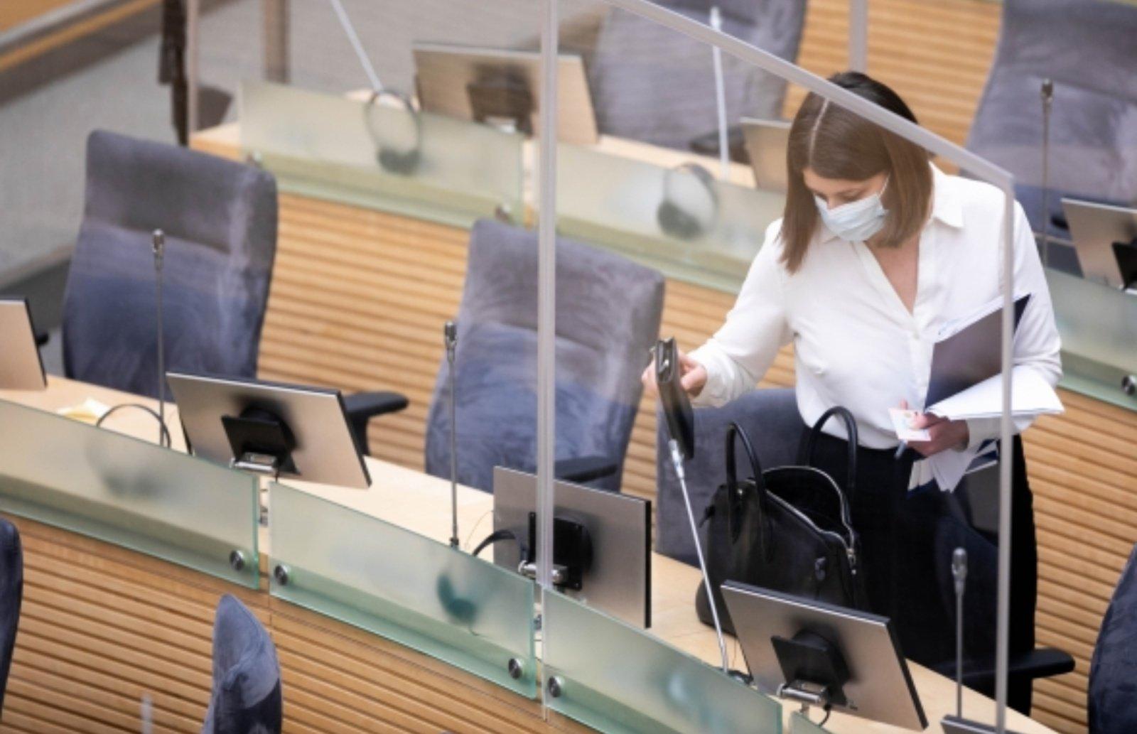 Seimas patvirtino patikslintą 2021 metų biudžetą