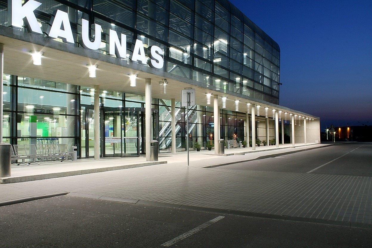 """Ministras su """"Ryanair"""" vadovais aptarė investicijas Kauno oro uoste"""