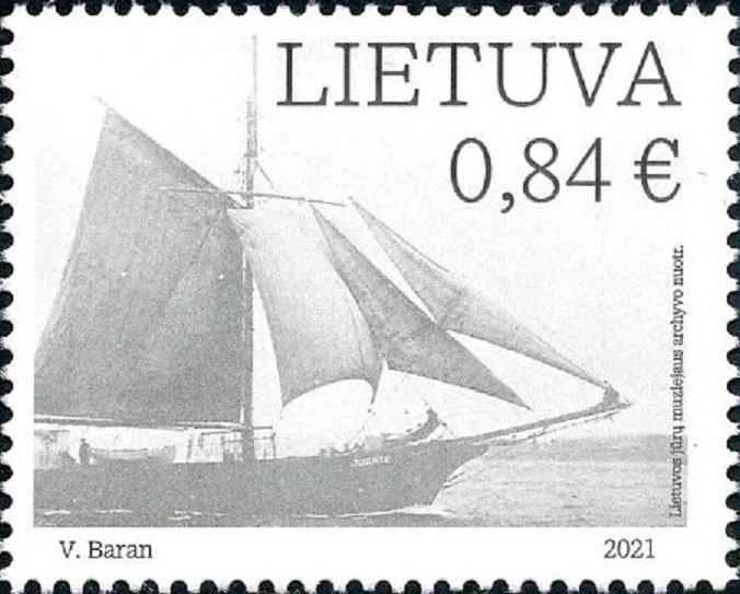 """Pašto ženkle įamžintas pirmasis į Lietuvą įplaukęs burlaivis """"Jūratė"""""""