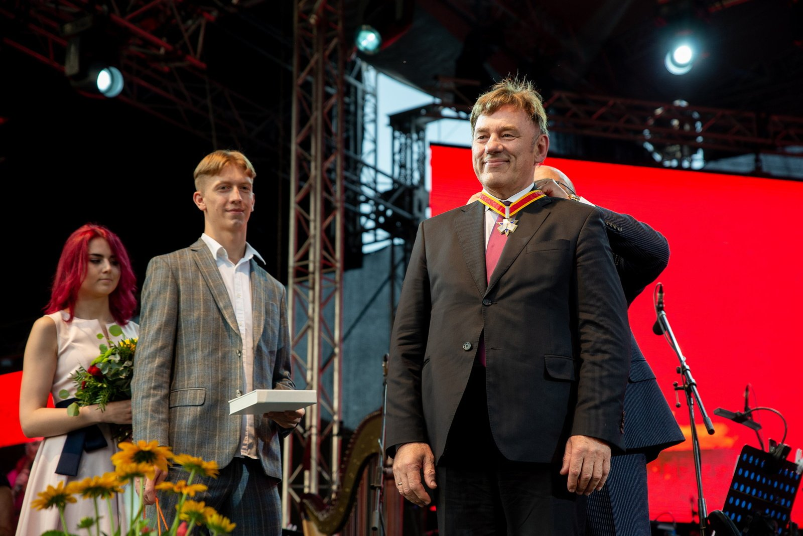 Už ypatingus nuopelnus Kaunui apdovanotas VDU rektorius profesorius J. Augutis
