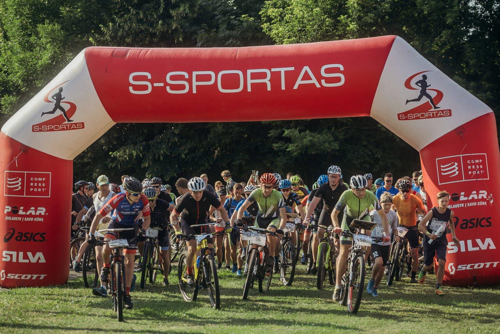 Ukmergės fabrikų kroso taurės III etape varžėsi 69 komandos
