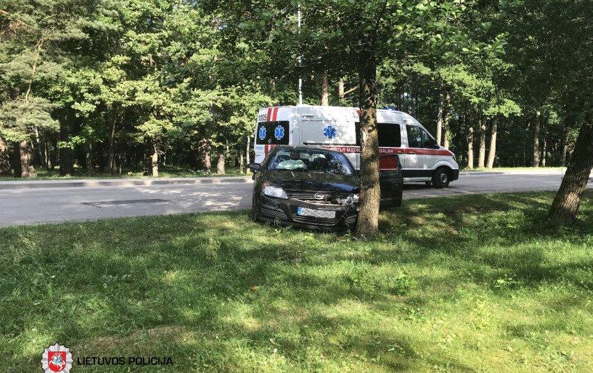 Praėjusią parą eismo įvykiuose nukentėjo 13 žmonių, tarp jų 10 vairuotojų