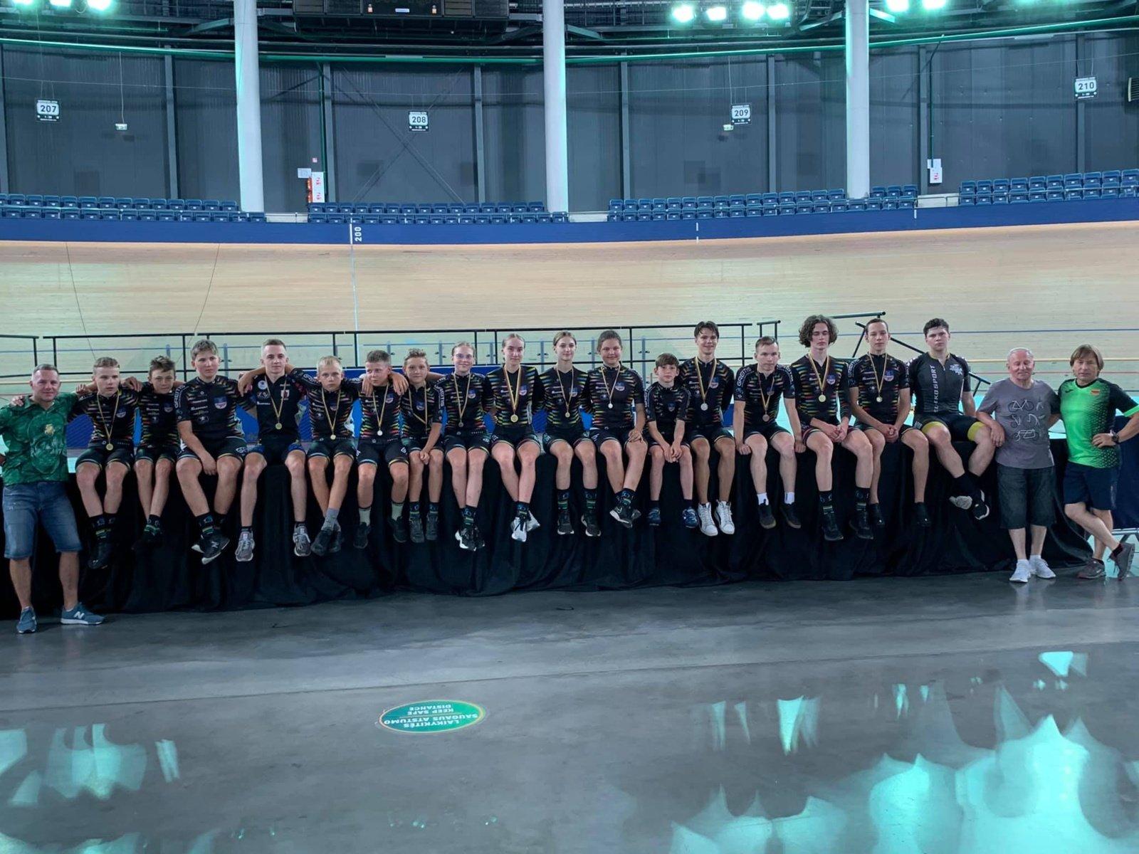 Panevėžio sporto centro dviratininkai pasipuošė medaliais