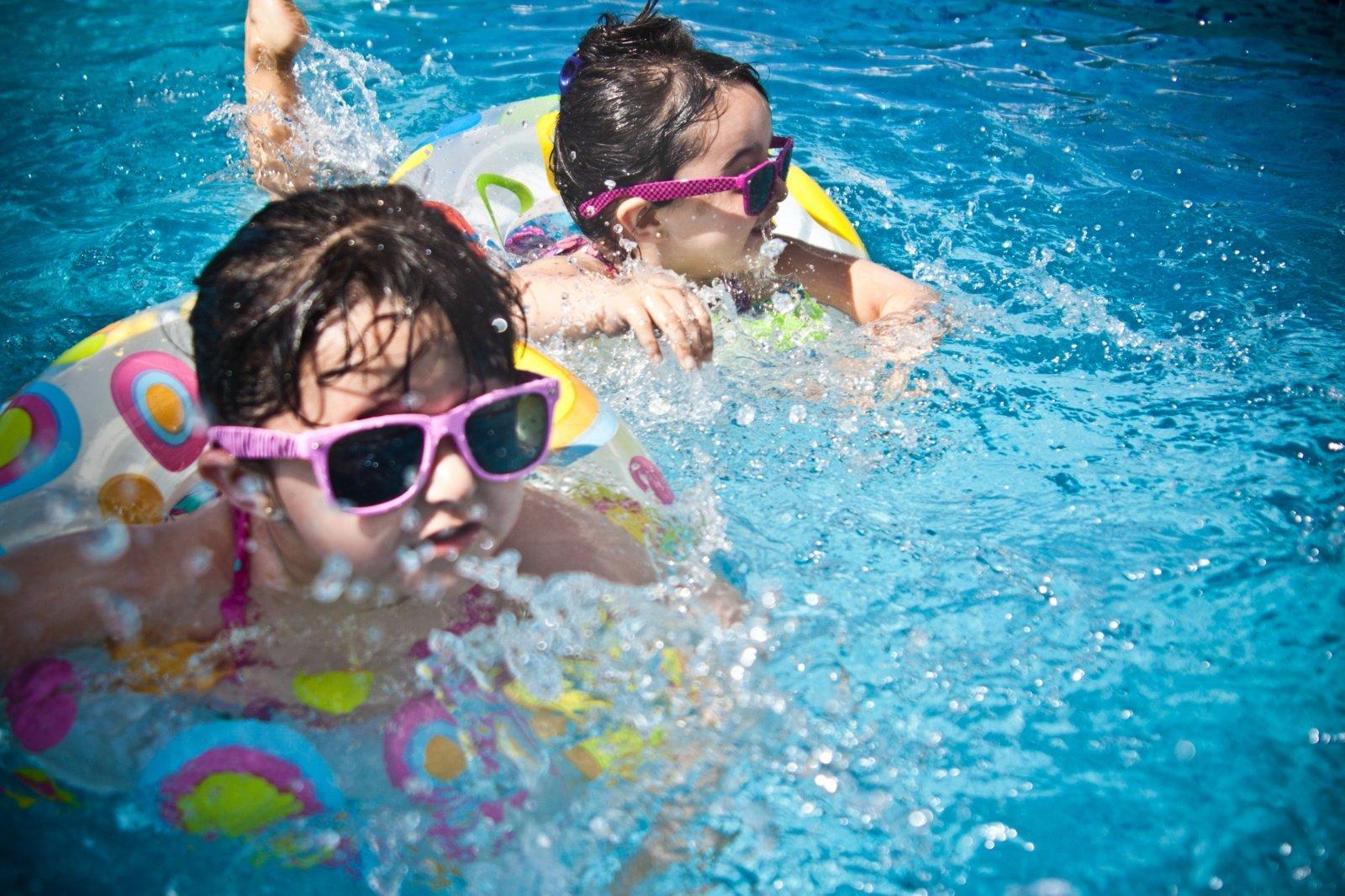 Gydytoja paaiškino: dėl kelių klaidų vasaros džiaugsmai virsta nepakeliamu ausų skausmu