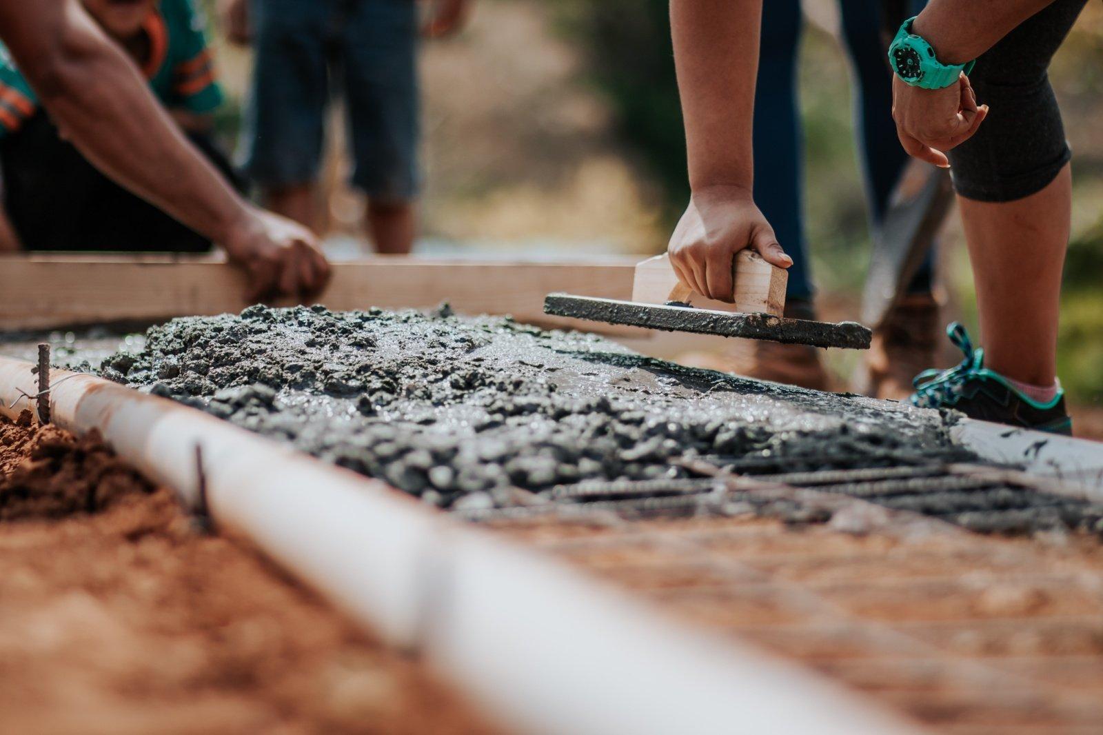 Stipriai pabrangusios statybinių medžiagų kainos didina ir statybų kaštus