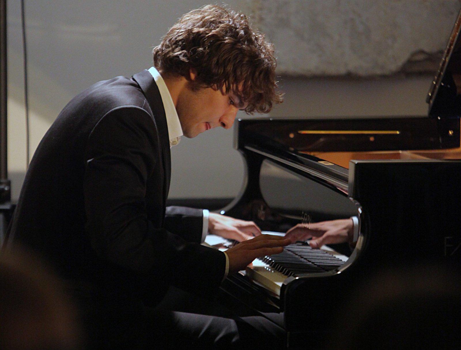 Pažaislio festivalyje svečiuojasi žymus pianistas L. Geniušas