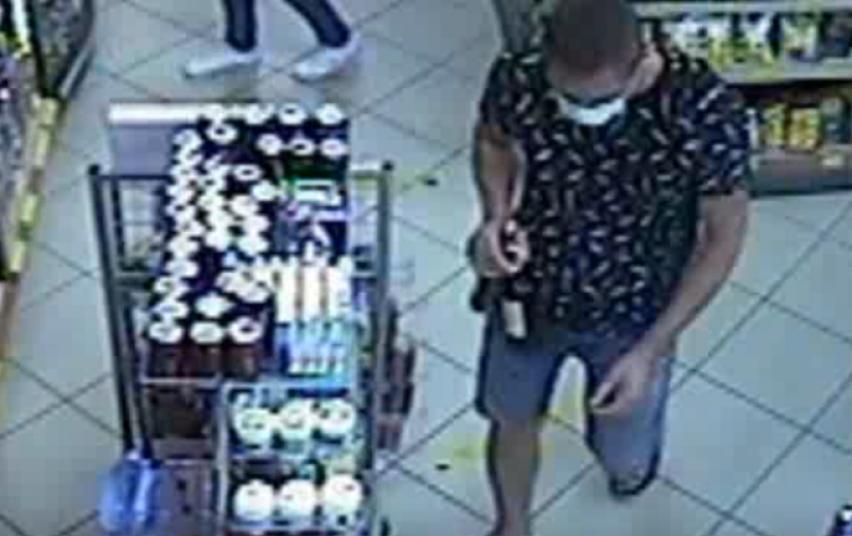 Kauno pareigūnai aiškinasi, kas iš parduotuvės pavogė alkoholio
