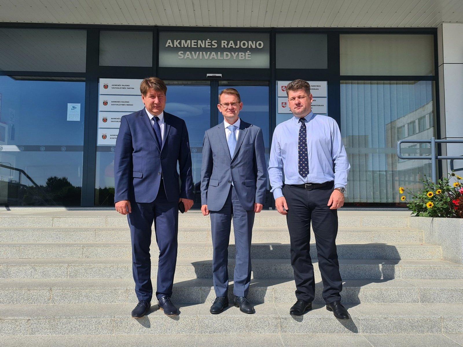Akmenės rajono savivaldybėje lankėsi sveikatos apsaugos ministras Arūnas Dulkys