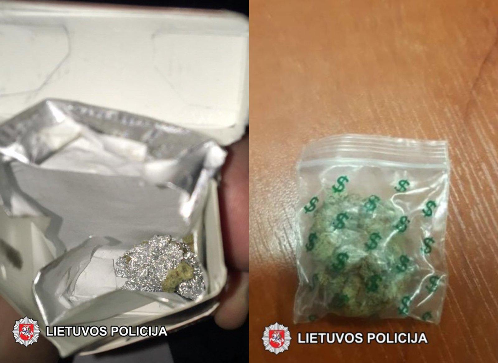 Trumpikėse slėpti narkotikai lentvariškių neišgelbėjo nuo areštinės (vaizdo įrašas)
