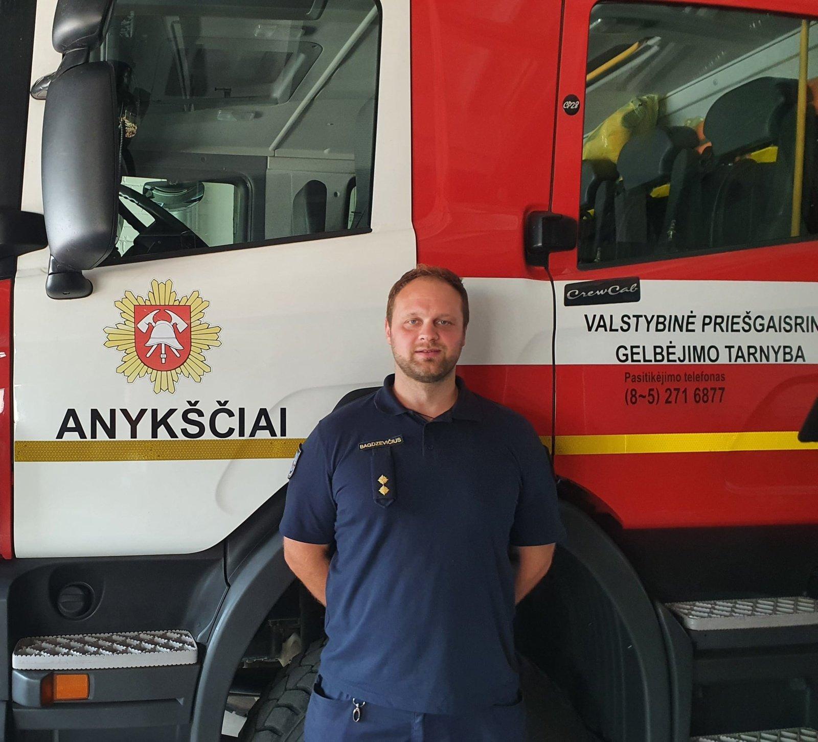 """Anykščių ugniagesys gelbėtojas Mantas Bagdzevičius: """"Skaudžiausia, kad žmonės kartais savo gyvybės visai nevertina"""""""