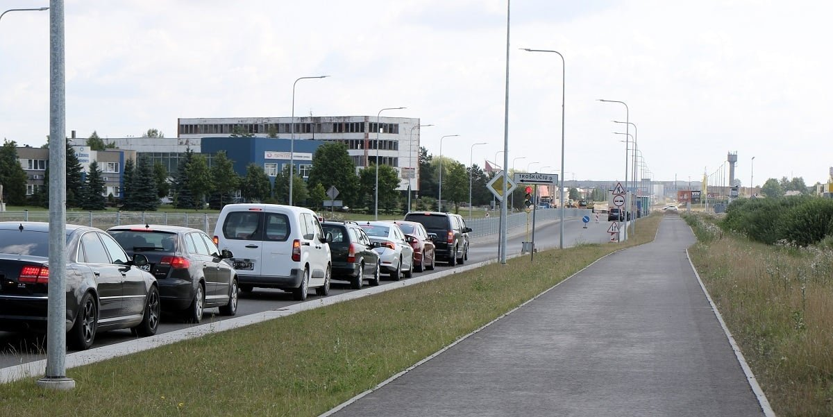 Skuodo gatvės rekonstrukcija: asfaltuojamos žiedinės sankryžos, eismas taps saugesnis ir patogesnis