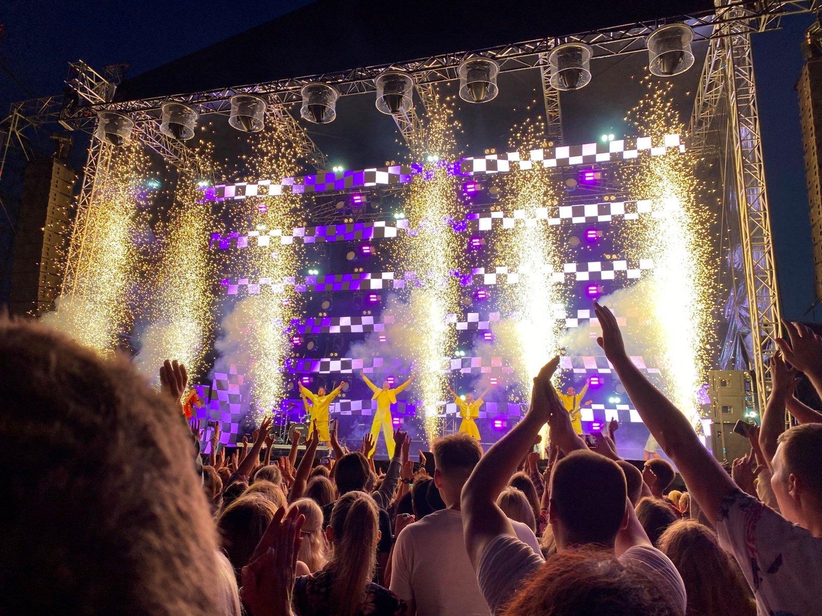 Didysis penktadienio koncertas sudrebino uostą, įspūdingi pasirodymai laukia ir šeštadienį